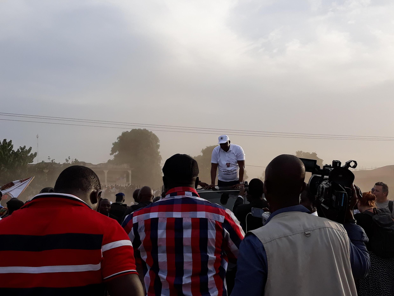 Le président gambien Adama Barrow lors du grand rassemblement organisé à Banjul, le 2 décembre 2017, pour célébrer les un an de l'élection présidentielle qui a vu la défaite de Yahya Jammeh.