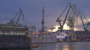 Một xưởng đóng tàu biển ở Ba Lan. Đa số lao động Bắc Triều Tiên làm việc tại các trang trại, công trường xây dựng, xưởng đóng tàu biển.