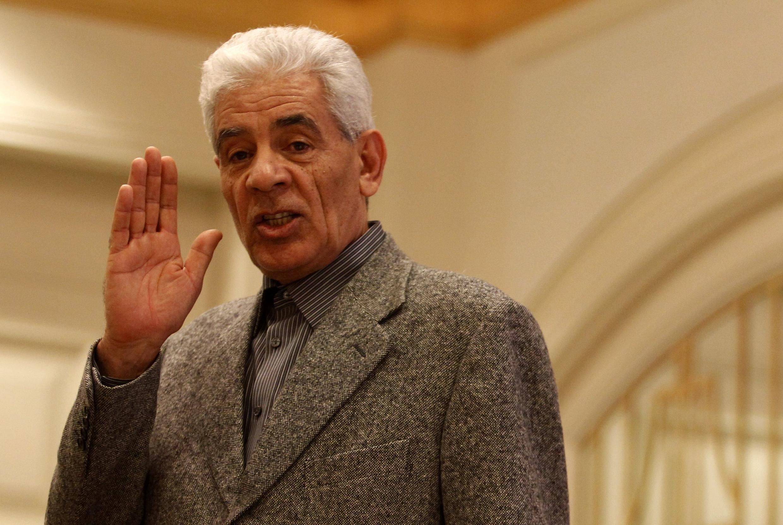 Беглый министр иностранных дел Ливии Муса Куса на пресс-конференции в Триполи (архив)