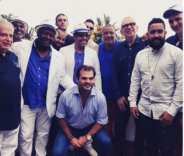 O estilista francês Jean Paul Gaultier visitou o barracão da Portela no final de outubro.
