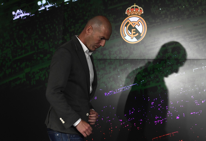 L'entraîneur français du Real Madrid, Zinédine Zidane, arrive pour une conférence de presse à l'occasion de son retour à la tête du club, le 11 mars 2019 à Madrid
