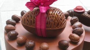 Ovos de Páscoa do famoso chocolateiro de luxo francês Jean-Paul Hévin.