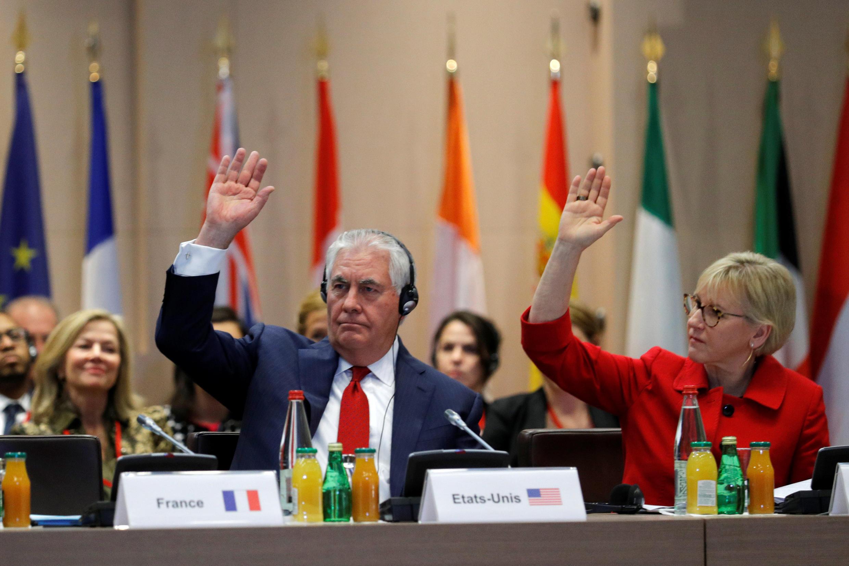 Rex Tillerson e Margot Wallstrom,ministra dos negócios  estrangeiros da Suécia durante o  Encontro Internacional para  a Parceria contra a impunidade pelo uso de armas químicas.Paris.23 de Janeiro de 2018