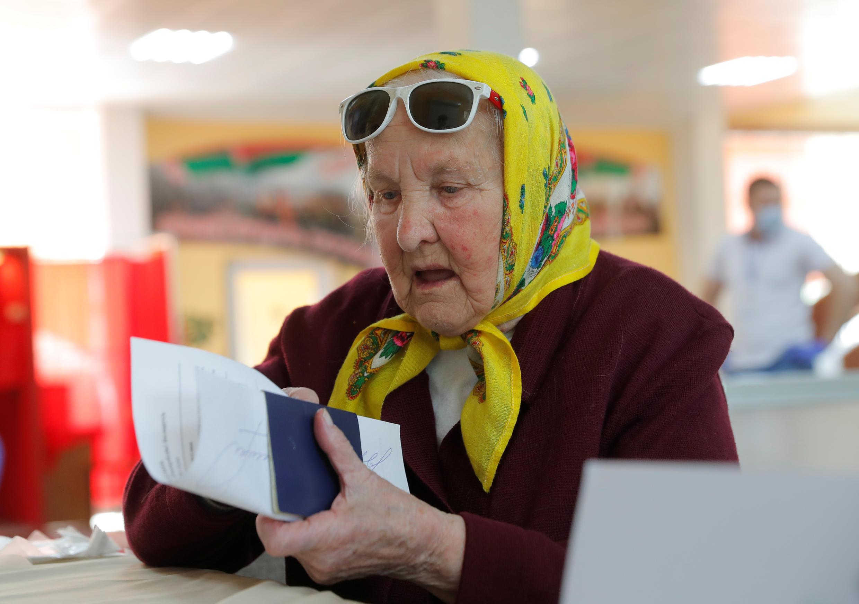 Досрочное голосование на участке в Минске 4 августа 2020.