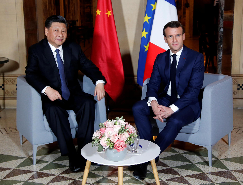 Tổng thống Pháp Macron (P) đón tiếp chủ tịch Trung Quốc Tập Cận Binh tại Villa Kérylos, Beaulieu-sur-Mer, gần Nice , miền nam Pháp, tối 24/03/2019.