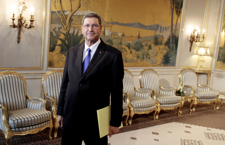 Le Premier ministre tunisien Habib Essid, au moment de présenter la composition de son équipe, ce lundi 2 février 2015 à Tunis.