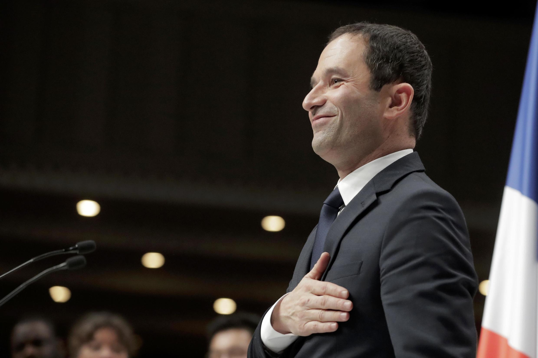 5 февраля Бенуа Амона официально выдвинули в кандидаты в президенты Франции о Соцпартии, Париж