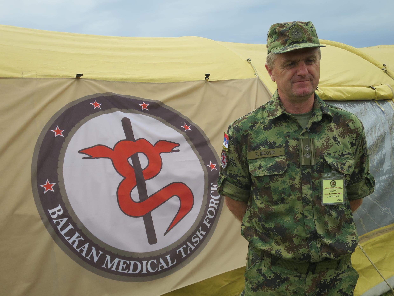 Le projet médical Balkan Medical Task Force réunit des soldats originaires des différents pays de l'ex-Yougoslavie.