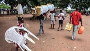 Estrangeiros ilegais que abandonam Angola ou foram expulsas pela autoridades angolanas?