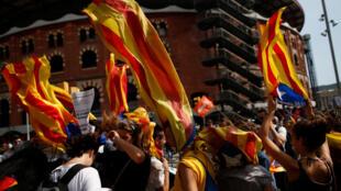 Estudiantes independentistas manifestándose en Barcelona.