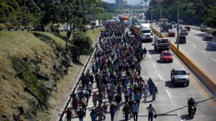 Une caravane de migrants ayant quitté le Salvador marche vers les Etats-Unis, le 31 octobre 2018 (image d'illustration).