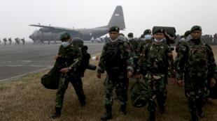 Lính Indonesia được huy động đến Palembang ngày 22/10/2015 để phụ giúp lực lượng cứu hỏa chống cháy rừng.