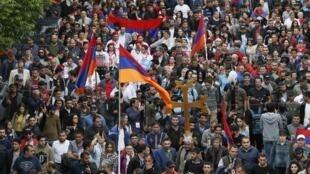 """تظاهرات خیابانهای """"ایروان""""."""
