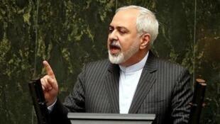 محمدجواد ظریف، وزیر امور خارجه جمهوری اسلامی ایران در مجلس شورای اسلامی