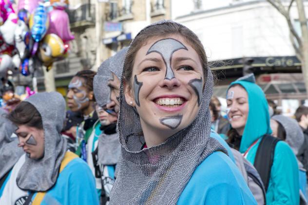 O desfille do Carnaval de Paris acontece desde 1998.