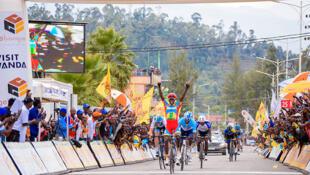 L'Érythréen Biniam Ghirmay Hailu, vainqueur d'une étape lors du Tour du Rwanda 2019.