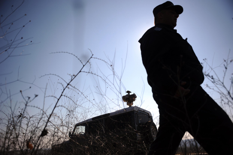Omar Ismaïl Mostefaï était entré en Syrie via la Bulgarie et la Turquie. Ici, un policier bulgare à la frontière avec la Turquie (photo d'illustration).