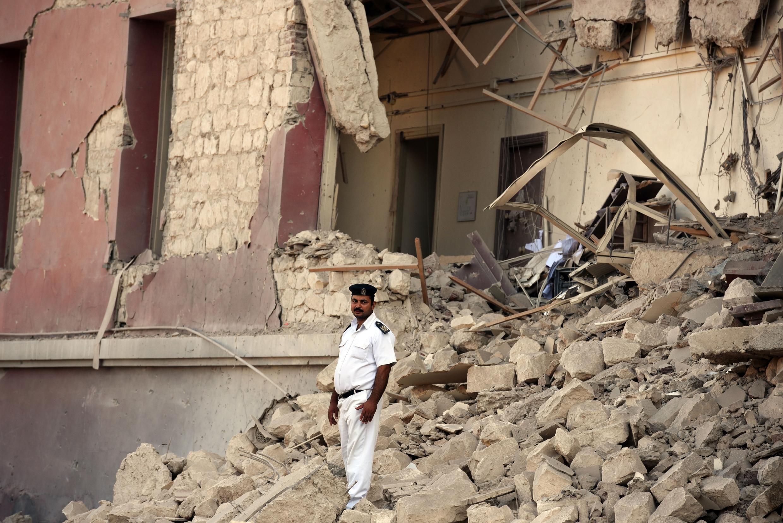 Vụ khủng bố Toà lãnh sự Ý tại Cairo làm 1 người chết và 10 người bị thương - AFP / M. EL-SHAHED