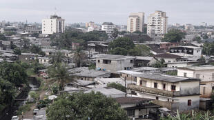 Douala, au Cameroun. Dans ce pays, 81% de la population parle le français.
