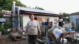 Une habitante sinistrée à Krymsk, dans la région de Krasnodar, le 8 juillet 2012.