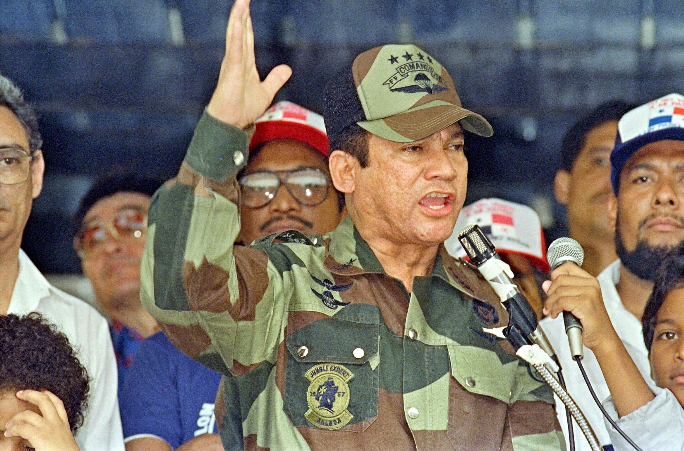 Manuel Antonio Noriega năm 1988 khi đang ở đỉnh cao quyền lực Panama.