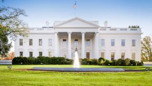 کاخ سفید در واشنگتن؛ محل کار و اقامتگاه رسمی رئیس جمهور ایالات متحده آمریکا.