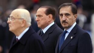 Le président du conseil italien, Silvio Berlusconi (au centre), le 11 novembre 2009.