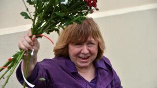 La ganadora del Premio Nobel de Literatura y miembro del Consejo de Coordinación de la oposición, Svetlana Alexievich, en Minsk, Bielorrusia, el 26 de agosto de 2020