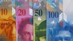 El Banco Nacional Suizo estableció un cambio fijo mínimo de 1,20 francos suizos por euro, con lo que espera recomponer la competitividad de su economía.