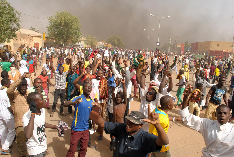 Des milliers de manifestants se sont rassemblés à Zinder, dans le sud du Niger, vendredi 16 janvier après la prière pour exprimer leur colère contre «Charlie Hebdo».