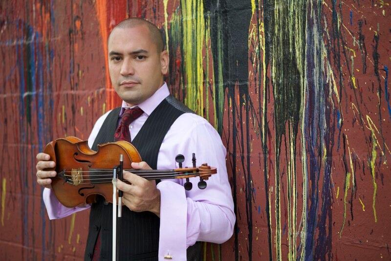 Afincado en Nueva York, Alí Bello nutre su música con múltiples influencias del mundo entero.