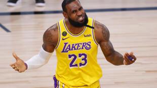 L'ailier des Los Angeles Lakers, LeBron James, lors du 4e match de la finale NBA, le 7 octobre 2020 à Lake Buena Vista, en Floride