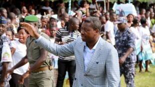 Le président candidat en campagne à Tado, le 13 avril 2015. En l'absence d'une opposition unie, qui pourra détrôner Faure Gnassingbé?