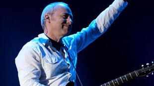 Mark Knopfler durante un concierto en 2006