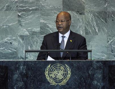 Carlos Gomes Júnior, primeiro-ministro guineense, recebeu protecção angolana e está a ser contestado pela oposição.