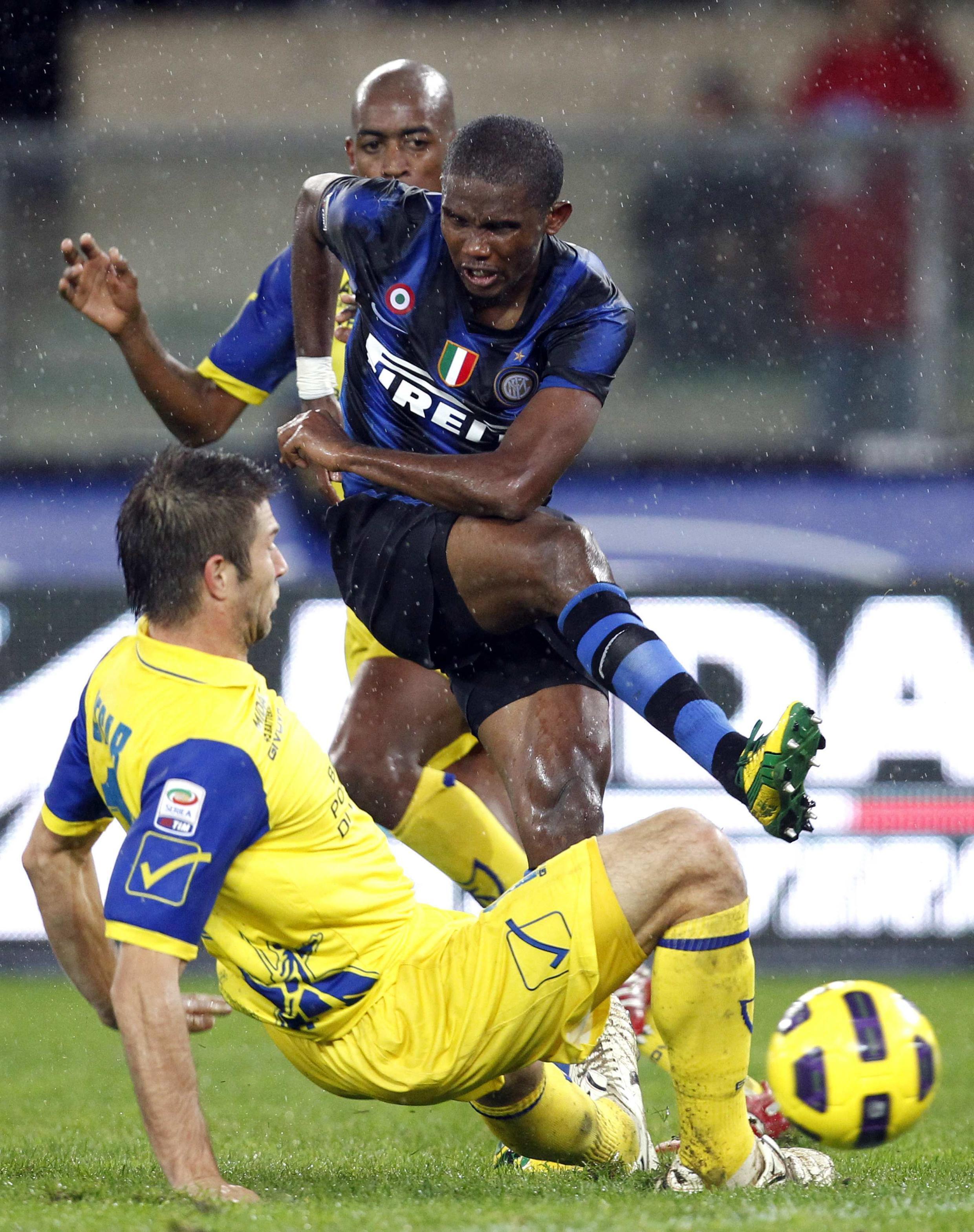 Samuel Eto'o no jogo contra o Chievo, domingo.