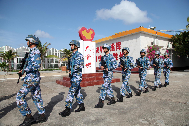 Lính hải quân Trung Quốc trên quần đảo Hoàng Sa ngày 09/02/2016.