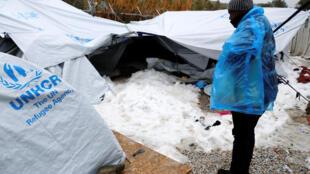 Un refugiado en el campo de Moria, en Lesbos, el pasado 10 de enero de 2017.