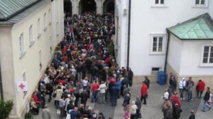 En Pologne, pays réputé pour sa ferveur catholique, des milliers de pèlerins sont réunis à Czestochowa.