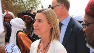 Federica Mogherini, la haute représentante de l'UE, en visite au Niger en juillet 2015.