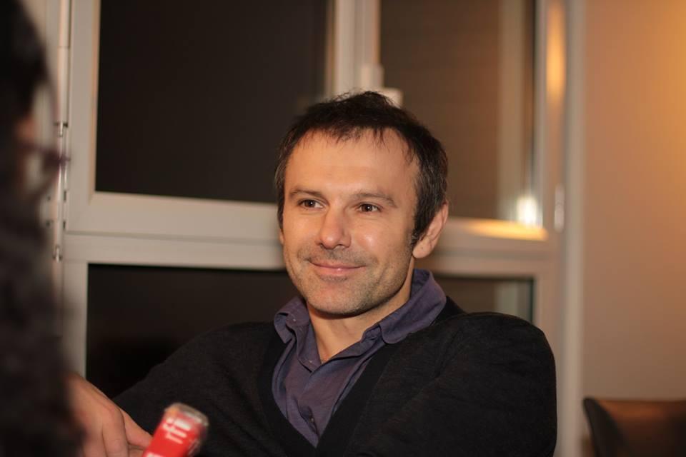 Nghệ sĩ nhạc rock Ukraina Svyatoslav Vakartchuk trong lần trả lời phỏng vấn RFI - Edmond Huet