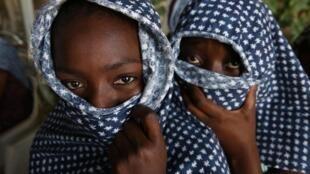 Detenção, tortura, escravidão: o destino dos migrantes que chegam à Líbia.