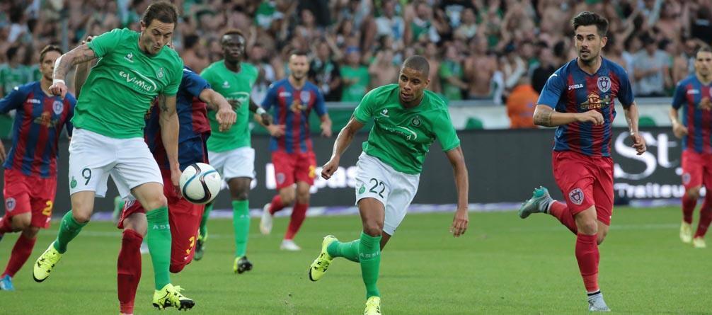 O Saint-Étienne, com a sua mítica cor verde, apurou-se para o play-off da fase de grupos da Liga Europa.