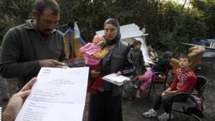 O governo francês quer desmantelar 300 acampamentos de ciganos irregulares no país.