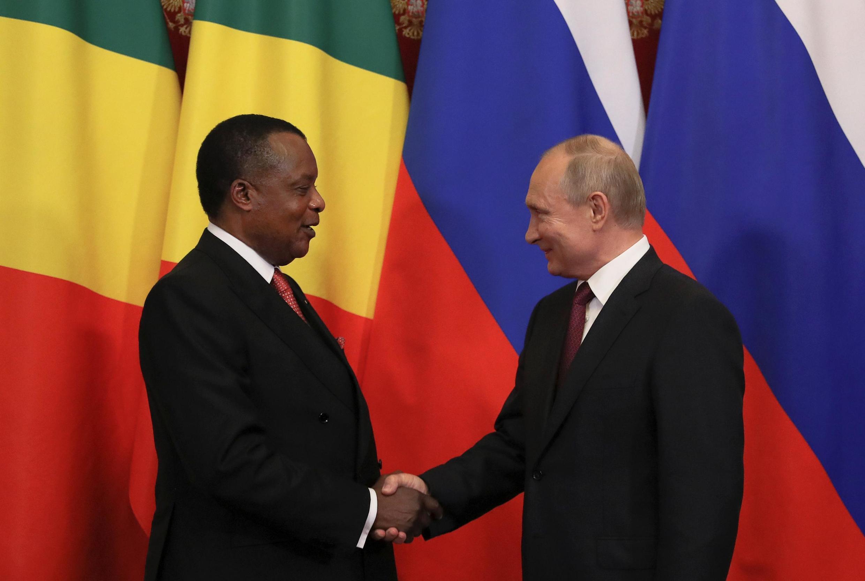 Президент России Владимир Путин и президент Конго Дени Сассу-Нгессо в Кремле, 23 мая 2019 года