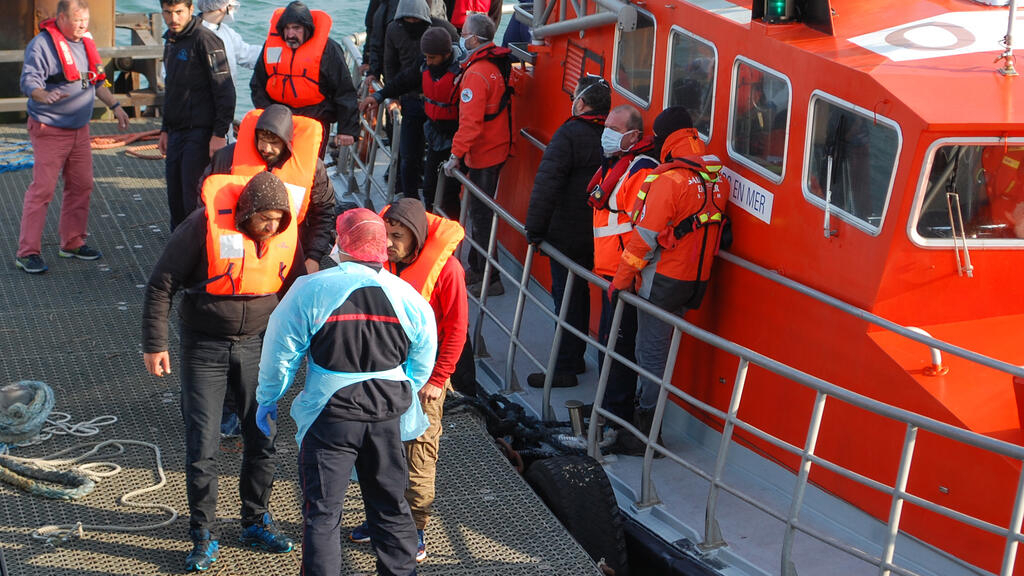 France asks Frontex to guard Europe's northern coastline too