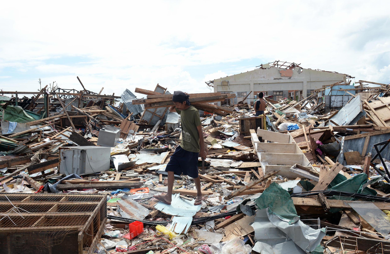 La ville dévastée de Guiuan après le passage du typhon Haiyan, le 17 novembre 2013.