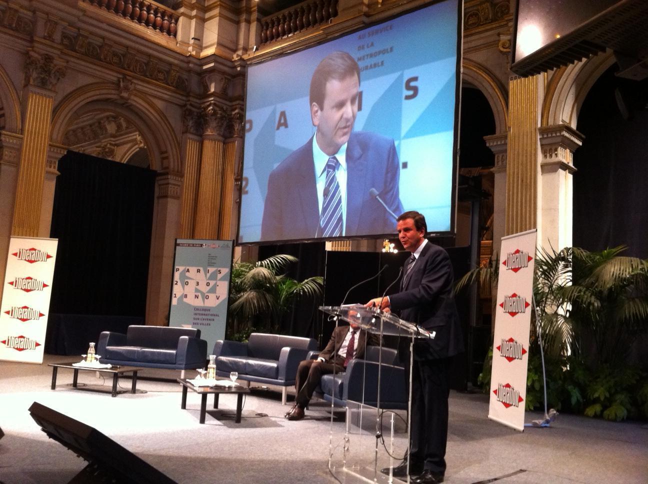"""Eduardo Paes discursa na abertura do Colóquio """"Paris 2030"""", na prefeitura da capital francesa"""