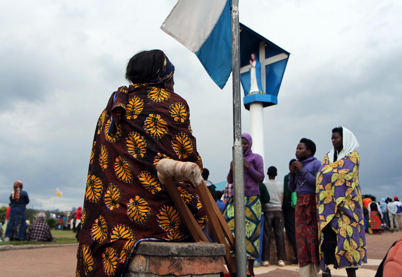 Des pèlerins catholiques aux célébrations de Kibeho, Rwanda.