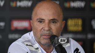 L'Argentin Jorge Sampaoli, alors entraîneur de l'Atlético Mineiro, en conférence de presse à Vespasiano, le 9 mars 2020